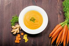 Fiery, creamy and hot, a dose of curry adds an extra kick to this super-healthy soup. Carrot And Orange Soup, Carrot Ginger Soup, Ginger Apple, Raw Food Recipes, Soup Recipes, Healthy Recipes, Vegan Food, Ginger Soup Recipe, Whole Foods
