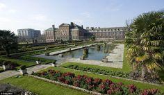 Kensington Palace gardens are beautiful!