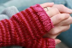 Free Knitting Pattern - Fingerless Gloves & Mitts: Engagement Mitts