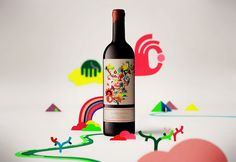 Fantastic use of color and fantastic wine label!
