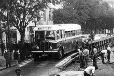 Maio 2009 - Bic Laranja Suzanne Vega, The Animals, Baker Street, Old Lorries, Double Decker Bus, Historical Photos, Lisbon, Vintage Photos, Old Things