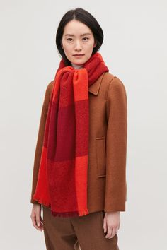 Detailed image of Cos oversized wool scarf in red Scarf Hat, Wool Scarf, Orange Scarf, Small Wardrobe, Oversized Scarf, Layers Design, White Shirts, Winter Wear, Womens Scarves