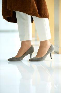 Kitten Heels, Girl Fashion, High Heels, Pumps, Canisters, Women's Work Fashion, High Heeled Footwear, Pumps Heels, Shoes High Heels