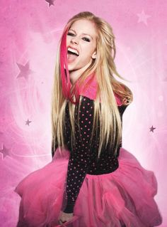 I completely forgot how much I love Avril Lavigne, a bit immature I know and somewhat geeky... idc