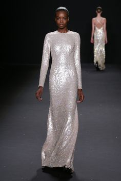 See the entire collection from the Naeem Khan Fall 2013 Ready-to-Wear runway show. Naeem Khan, Silver Wedding Gowns, Silver Weddings, Sparkle Wedding, Wedding Dresses, Bridal Gowns, Ny Fashion Week, Fashion Show, Women's Fashion