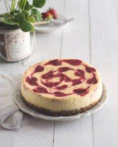 Cheesecake s jahodovým mramorováním Cupcakes, Sweet, Food, Candy, Cupcake Cakes, Essen, Meals, Yemek, Cup Cakes