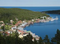 Sveriges vackraste natur finns i Höga kusten i Ångermanland, enligt omröstningen. Lappland, Boathouse, Beautiful Places, Nature, Travel, Outdoor, Inspiration, Pictures, Landscape Rake