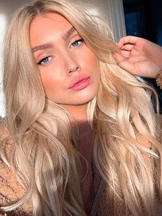 Fresh Long Blonde Hairstyles and Hair Color Ideas for 2019 - Fresh Long Blonde . - Fresh Long Blonde Hairstyles and Hair Color Ideas for 2019 – Fresh Long Blonde Hairstyles and Ha - Curly Hair Styles, Short Hair Styles Easy, Medium Hair Styles, Hair Medium, Blond Hairstyles, Easy Hairstyles For Medium Hair, Hairstyle Short, School Hairstyles, Office Hairstyles