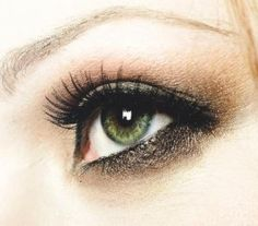 eye makeup ideas for grey eyes Brown Eyes Makeup Tips Eye Make-up tips! Apply Eye Makeup,Eye Makeup Tips,Eye Makeup Tips Pictures,eye mak. Smokey Eye Makeup Look, Smokey Eye Makeup Tutorial, Cat Eye Makeup, Eye Makeup Tips, Makeup Trends, Beauty Makeup, Hair Makeup, Eyeshadow Tips, Neutral Eyeshadow