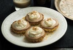 Baileys-krémes kosárka Baileys, Cheesecake, Food And Drink, Pudding, Sweet, Recipes, Yum Yum, Muffin, Kuchen
