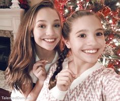 Maddie and kenzie are so pretty