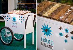 Na onda dos food trucks, o formato do momento em casamentos são os descolados carrinhos gourmet! Veja algumas opções!