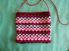 Taniko shoulder bag made by me Macrame and silko. Creative Inspiration, Bag Making, Macrame, Shoulder Bag, Crafts, Bags, Design, Yarns, Maori