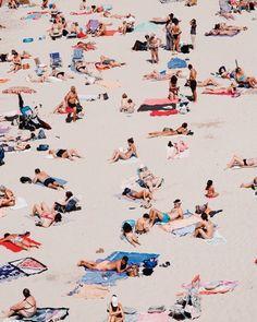 Summer Aesthetic, Aesthetic Photo, Mood Images, Urban Setting, Beach Scenes, Illustrations, Beach Art, Figurative Art, Strand