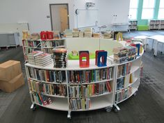 Finding the perfect home library furniture School Library Decor, Elementary School Library, Library Themes, Elementary Schools, School Libraries, Library Ideas, Children's Library, Library Furniture Design, Library Inspiration