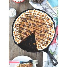 S'mores Skillet Cookie is on the blog today! Skillet cookies > regular cookies, just sayin'. #f52grams #howisummer #buzzfeedfood #thekitchn #huffposttaste #marthafood #thatsdarling #foodblogger #foodphotography #yahoofood #foodgawker #tastespotting #eeeeeats #instafood #bethcakes #smores #bareaders #foodwinewomen #feedfeed @thefeedfeed