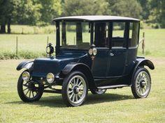 1920 Rauch And Lang Electric Dual Drive Coach. www.romanworldwide.com #orangecountylimo #lacountylimo #247limo