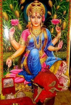Hindu Goddess Lakshmi | Pictures of Kerala - Lakshmi Devi Hindu Goddess/lakshmi devi wallpaper