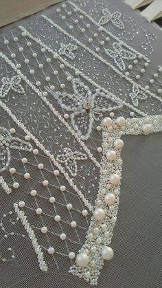 Embroidery Ideas Embellishments Sequins 27 New Ideas Embroidery Hoop Crafts, Hand Embroidery Dress, Tambour Embroidery, Bead Embroidery Patterns, Couture Embroidery, Hand Embroidery Designs, Ribbon Embroidery, Embroidery Stitches, Machine Embroidery