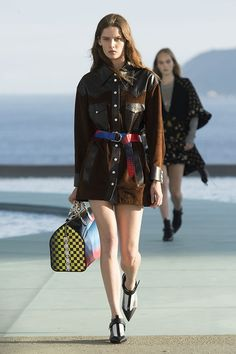 LOUIS VUITTON Official International Website - Discover the collection