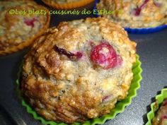 muffins+bananes,+gruau+et+canneberges+tante+jeanne. Breakfast Muffins, Breakfast Recipes, Cake Factory, Muffin Bread, Baking Muffins, Cranberry Recipes, Muffin Recipes, Healthy Desserts, Esther