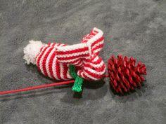 Lapin de Noël tricoté de la boutique leshistoiresdeslaine sur Etsy