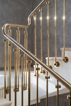 70 Ideas Spiral Stairs Handrail For 2019 Staircase Railing Design, Modern Stair Railing, Staircase Handrail, Iron Stair Railing, Modern Stairs, Staircase Design Modern, Railing Ideas, Banisters, Stair Lighting