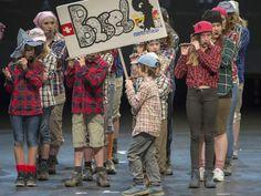 Die Jungi Garde der Seibi führen auf eine reizende musikalische Schweizerreise. Basel, Hats, Hat, Hipster Hat, Caps Hats