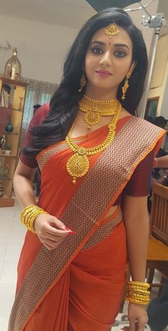 The best red saree collection! Beautiful Girl Indian, Most Beautiful Indian Actress, Beautiful Saree, Beautiful Women, Beauty Full Girl, Beauty Women, Indian Bridal Fashion, Indian Bridal Jewelry, Femmes Les Plus Sexy