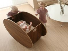 So-ro cradle from @Babyhome - we love that it rocks back and forth instead of side to side!