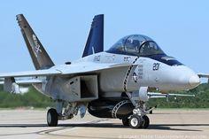https://flic.kr/p/LigVHa | 166621\AG-201 FA-18F VFA-103 'Jolly Rogers' NAS Oceana, Va