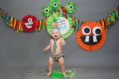 Kyser's Smash Cake Session by Kirstie Kay Photography | Cake by Smush Cake | First Birthday