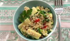 We prepare the dish for lunch with cooked quinoa, zucchini, onion and chop the parsley leaves. With the addition of lemon juice tastes best. Quinoa Lunch Recipes, Best Vegetarian Recipes, Healthy Recipes, Healthy Tips, Healthy Foods, How To Prepare Quinoa, Lunch Saludable, Clean Eating, Healthy Eating