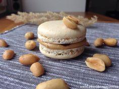 Macaroons, Baked Goods, Tiramisu, Hamburger, Cheesecake, Food And Drink, Sweets, Bread, Cookies