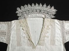 """*audible gasp* ""A woman's white linen smock decorated w/ intricate bands of cutwork. Renaissance Fashion, Renaissance Clothing, Antique Clothing, 16th Century Clothing, 16th Century Fashion, 17th Century, Historical Costume, Historical Clothing, Antique Lace"
