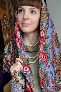 A pretty girl in Russian Pavlovsky Posad shawl. Romantic Mood, Russian Folk, Kerchief, Russian Fashion, Portrait Photo, Hats For Women, Pretty Girls, Shawl, Glamour