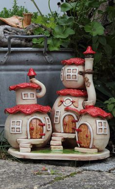 Tile Crafts, Clay Crafts, Diy And Crafts, Clay Fairy House, Fairy Garden Houses, Miniature Fairy Gardens, Miniature Houses, Paper Clay, Clay Art