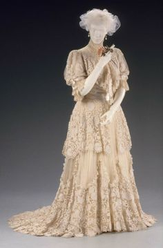 Afternoon dress (identified as a ball gown by the MFA Boston), Designed by Jacques Doucet, About 1910 (more likely 1905), MFA Boston,