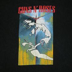 Vintage GUNS N ROSES RARE 1993 TOUR T-Shirt concert 90s