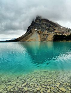 Bow Lake , Alberta, Canada Close to Jasper #CanadianRockies