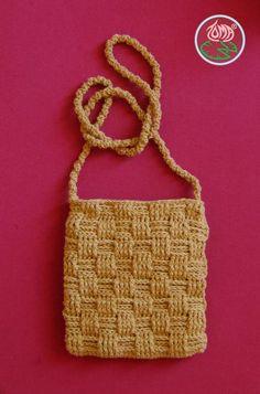 Free Pattern: Crocheted Over the Shoulder Mini Purse - Basketwave crochet
