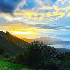 Meraviglioso scatto del tramonto sul castello del volterraio sulla strada che collega #portoferraio a #rionellelba. Foto di @sofietta. Continuate a taggare le vostre foto con #isoladelbaapp il tag delle vostre vacanze all'#isoladelba. Visita il sito http://ift.tt/1NHxzN3