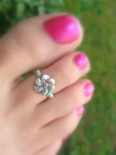Toe Ring  Silver Metal Flower Stretch Bead by FancyFeetBoutique, $5.25