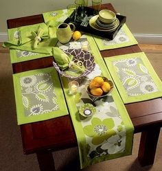 Oh Im soooo on this!! Napkins, Placemats, Table Runner, Table Cloth and Flower Bowl in 3 Sizes