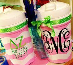 #DZ #coolers #monogram Delta Zeta Crafts, Bid Day Themes, Cooler Painting, Girls Image, Sorority, Water Bottle, Monogram, Good Things, Coolers