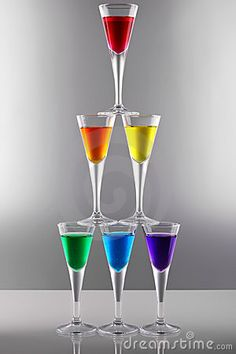 Rainbow | Arc-en-ciel | Arcobaleno | レインボー | Regenbogen | Радуга | Colours | Texture | Style | Form | Rainbow drinks II by Grafner, via Dreamstime