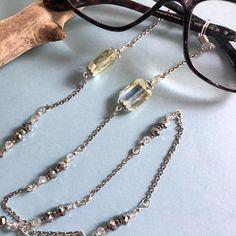 2fdd995bed Articles similaires à Chaine pour lunettes,cristal Swarovski,cordon lunettes ,attaches Lunettes,Chaîne,Lunettes de lecture,Lunettes, Lunettes de soleil  ...