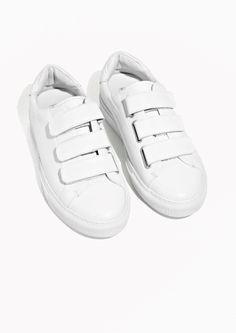 4df18412519 35 bästa bilderna på S H O E S | Adidas originals, Street outfit och ...