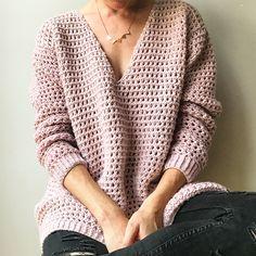 Ravelry: Sakura Sweater pattern by Maison Dene - worsted weight Crochet Crafts, Crochet Yarn, Easy Crochet, Ravelry Crochet, Crochet Granny, Crochet Projects, Sweater Knitting Patterns, Crochet Cardigan, Crochet Patterns