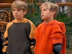 Zack Martin and Cody Martin (The Suite Life of Zack and Cody) Sprouse Bros, Cole M Sprouse, Cole Sprouse Jughead, Dylan Sprouse, Zack And Cody Funny, Zack Et Cody, Old Disney Shows, Disney Channel Shows, Cody Martin